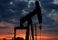 2018-04-23t214251z-340386188-rc143531e980-rtrmadp-3-global-petroleum
