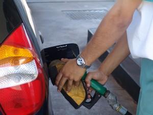 2004-08-19-Abastecimento-Posto-Combutivel-Alcool-Etanol-scaled